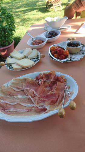 b&b i due tigli - formaggi strepitosi a colazione (Monrupino, Saporito delle Valli, Caciocaprella)