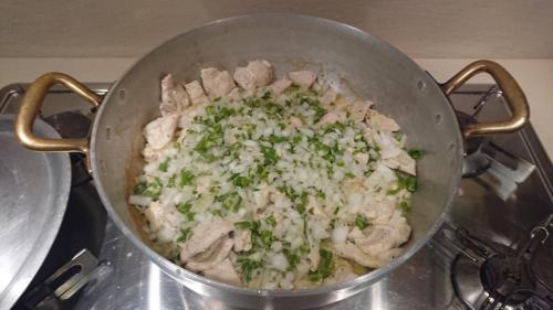 aggiungere cipolla, sedano, aglio tritati